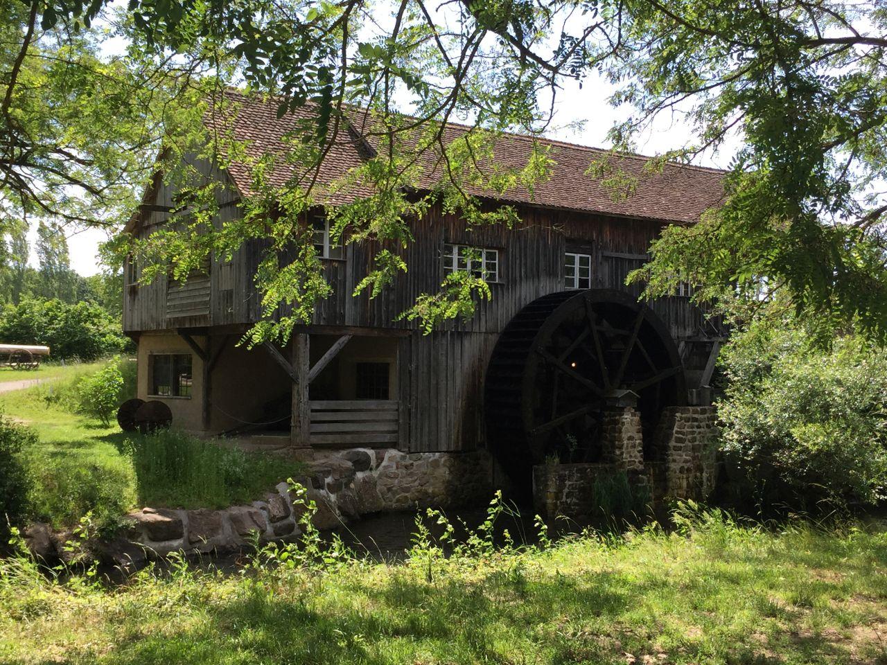 Mühle im Museumsdorf Écomusée d'Alsace in Ungersheim im unetren Elsass