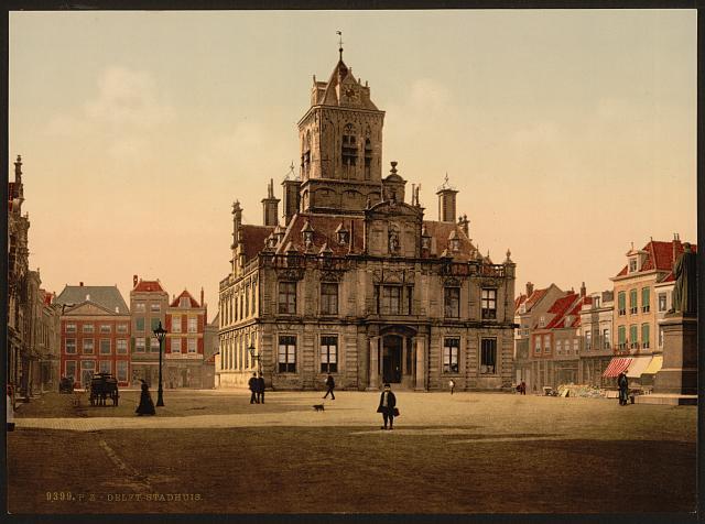Postkarte mit Ansicht des Rathauses (stadhuis) von Delft ca. 1890 - 1900