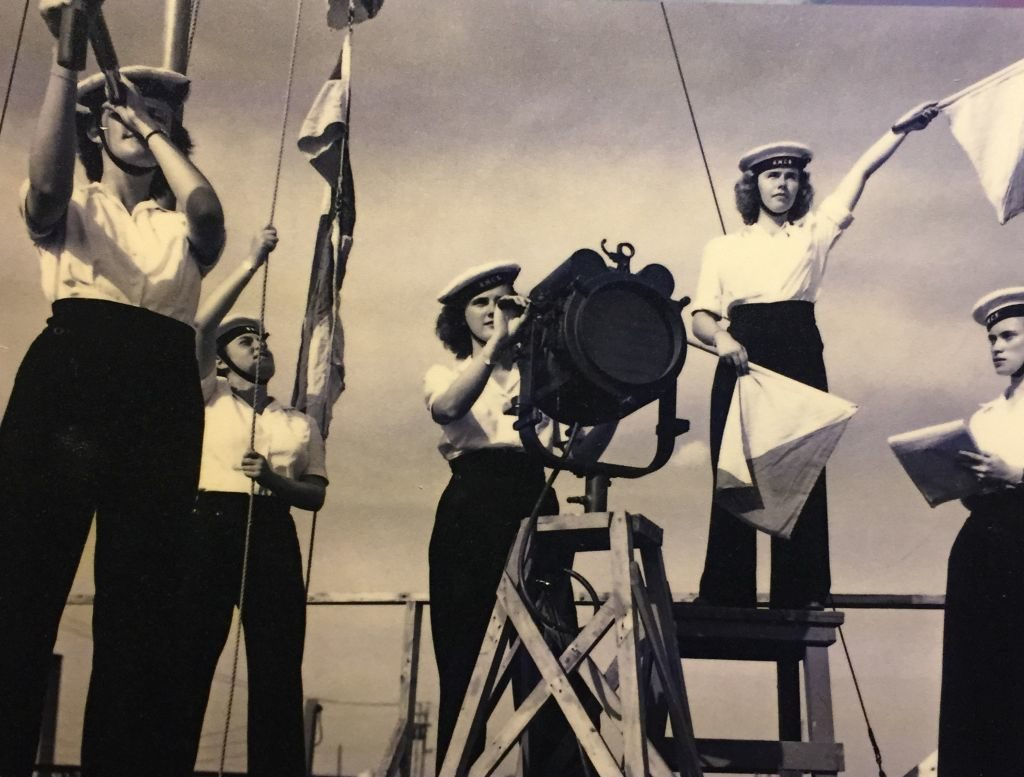 Signalgeberinnen des Women's Royal Canadian Naval Service 1944