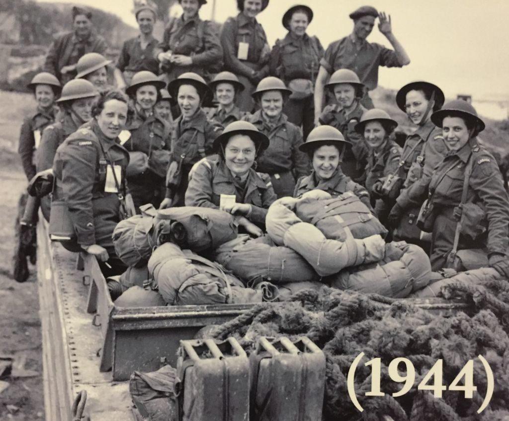 Kanadische Krankenschwestern in Arromanches, Normandie, 1944