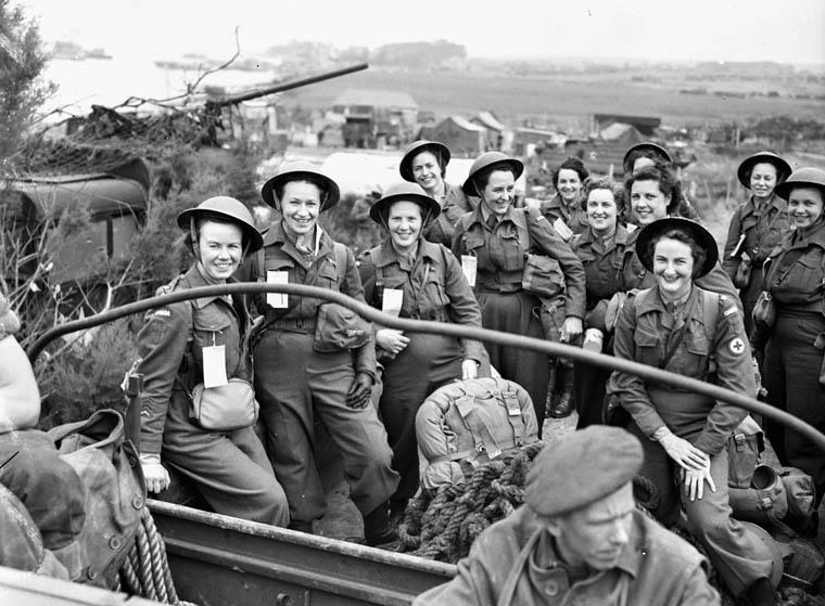Krankenschwestern des No. 10 Canadian General Hospital, R.C.A.M.C.23 July. 1944