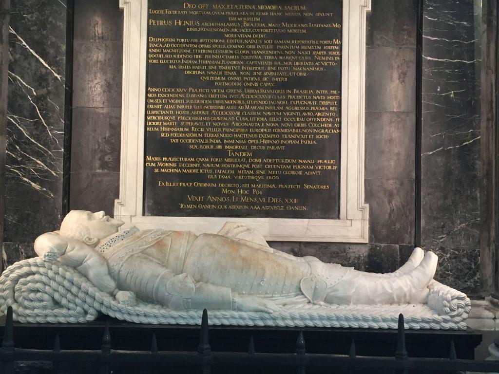 Detail aus dem Mausoleum des Admirals Piet Hein in der Oude Kerk (Alte Kirche) in Delft