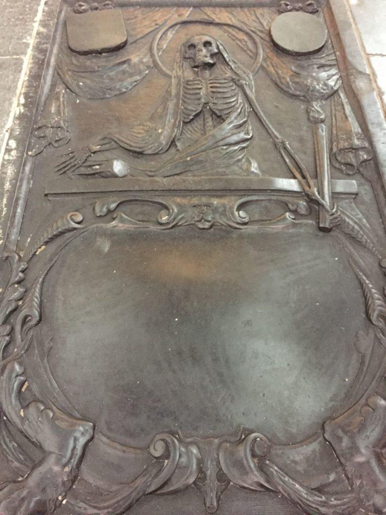 unbekanntes Grabmal in der Oude Kerk (Alte Kirche) zu Delft