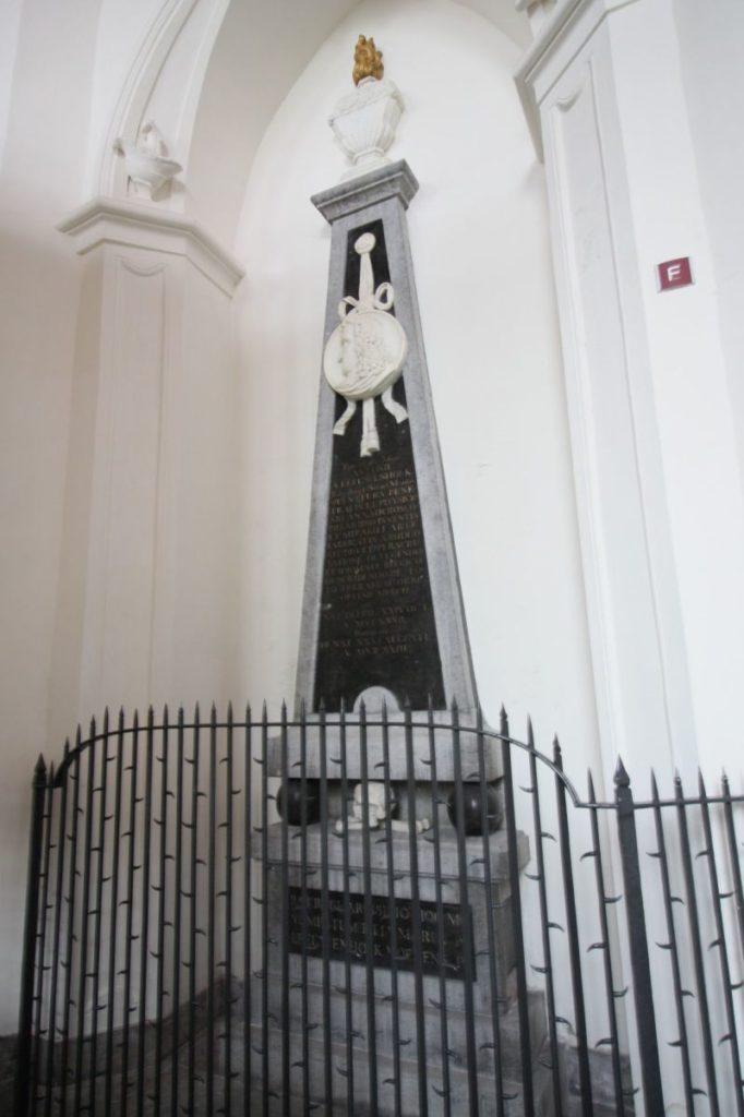 Gedenkstein fuer Antoni van Leeuwenhoek in der Oude Kerk (Alten Kirche) in Delft