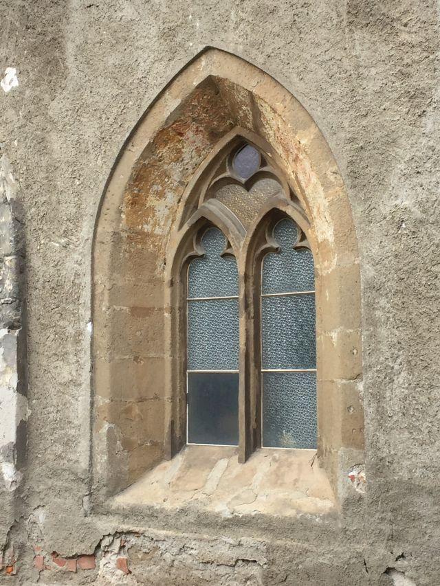Gotisches Fenster der Kirchenburg von Weidenbach (Ghimbav)