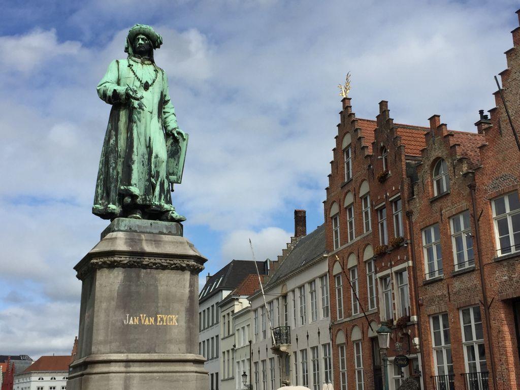 Statue Jan van Eyck in Bruegge