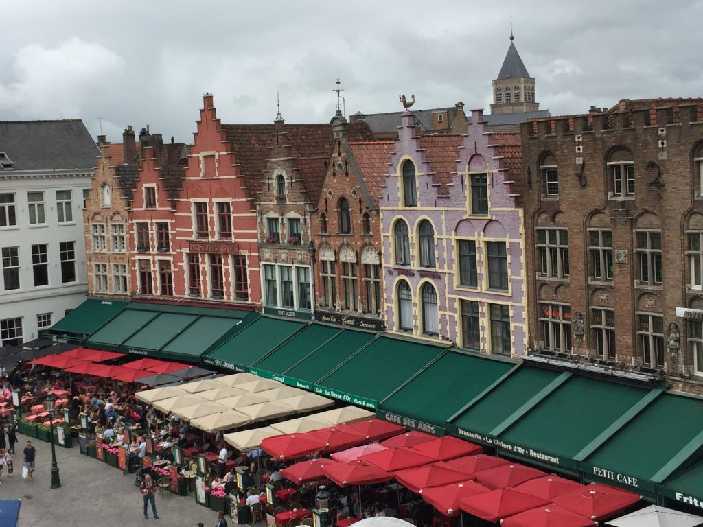 Blick auf den Marktplatz in Bruegge