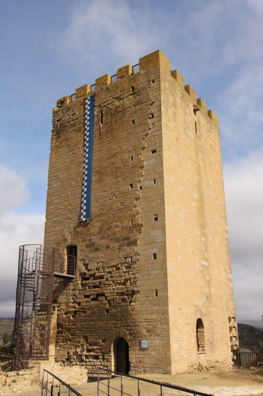 (Wohn-)Turm der Burgruine von Uncastillo