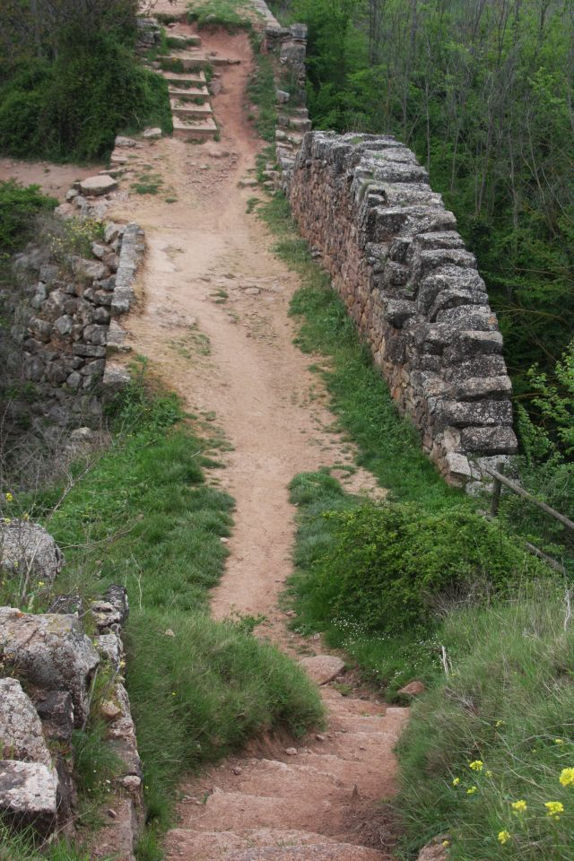 romanische Brücke am Jakobsweg bei Cirauqui