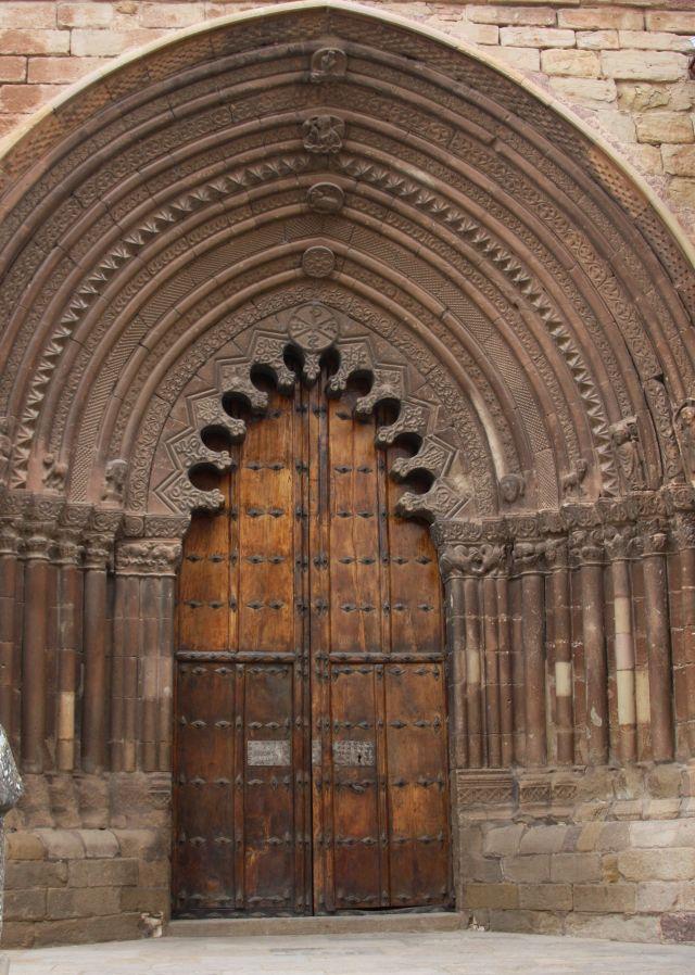 Portal der Kirche San Román in Cirauqui