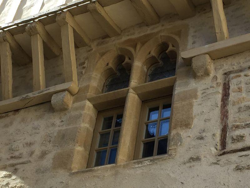 gotische Zwillingsfenster