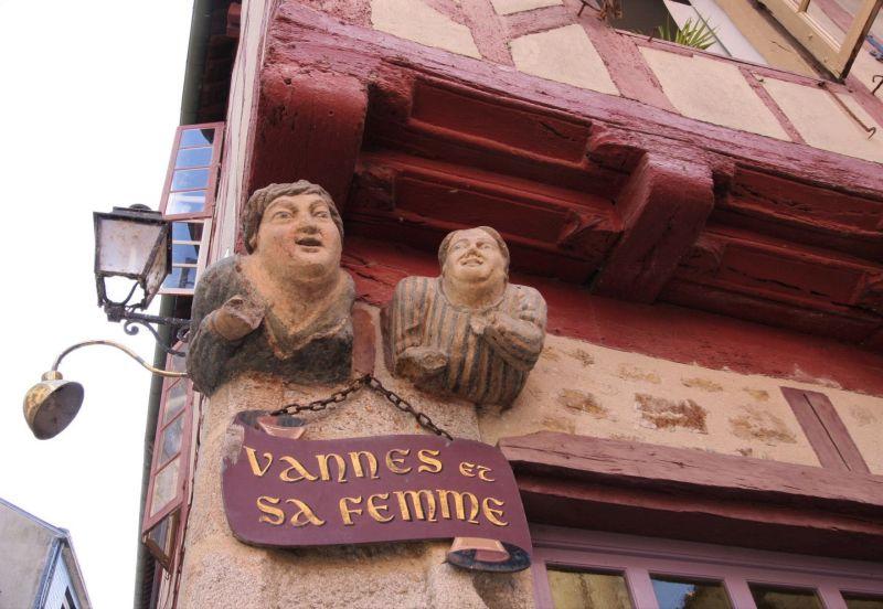 Granitskulptur Vannes et sa femme