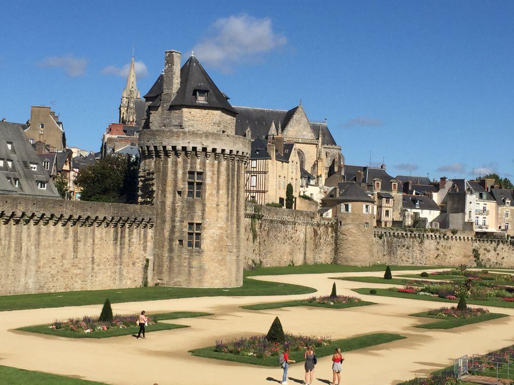 Tour du Connétable und Les Jardins des Remparts in Vannes