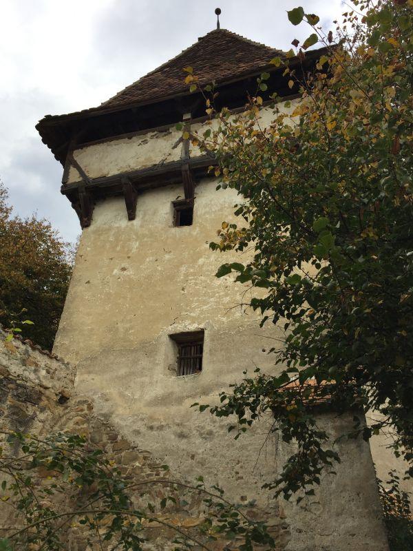 Befestigungsturm mit Wehrgeschoss der Kirchenburg in Kleinschenk / Cincsor, Siebenbuergen