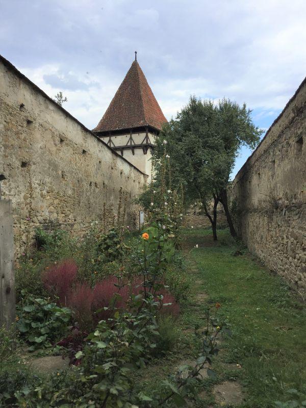 Zwinger der Kirchenburg in Kleinschenk / Cincsor, Siebenbuergen