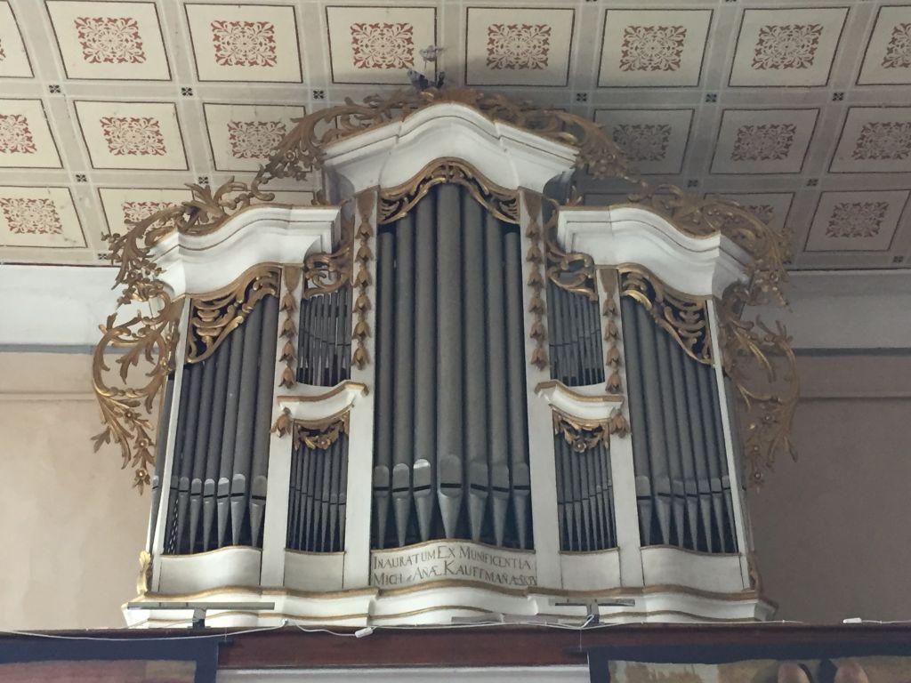 Samuel Maetz Orgel von 1805 auf der Westempore der Wehrkirche in Kleinschenk / Cincsor, Siebenbuergen