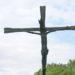 schmiedeeiserne Stele Christus am Kreuz