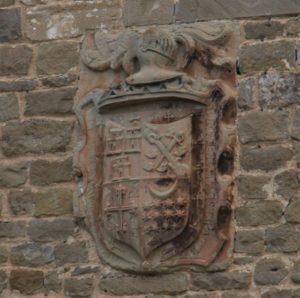Wappen der Juna de los Infanzones an einer Hauswand in Obanos, am Jakobsweg in Navarra