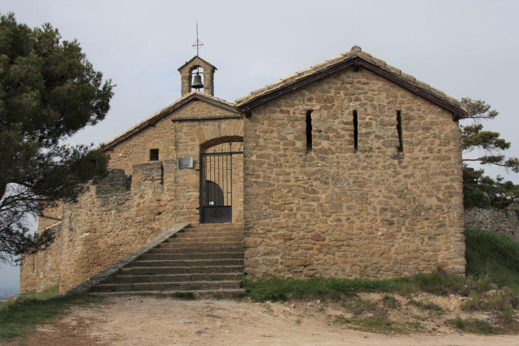 Steinhaus des Eremiten mit der Kapelle Arnotegui