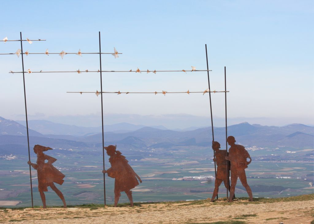 Detail des Pilgermonuments auf der Sierra del Perdón