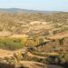 huegelige Landschaft in der Naehe von Sos del Rey Católico in Aragón