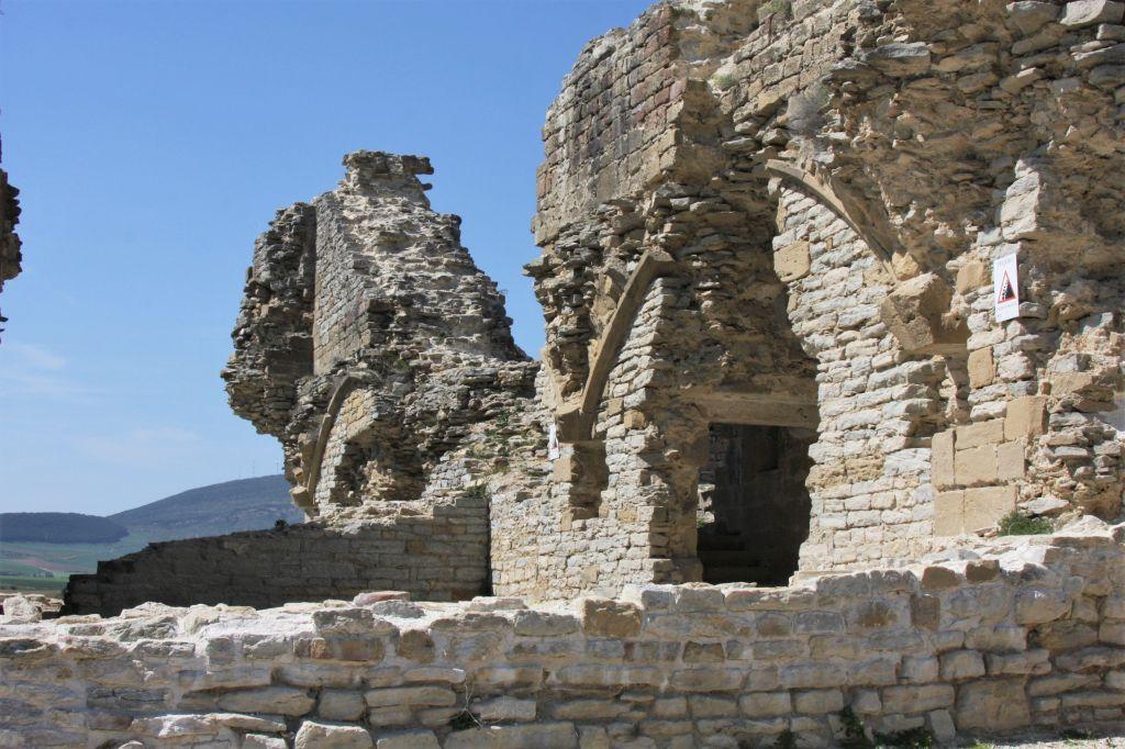 Ruinen der Festung Tiebas Muruarte de Reta in Navarra