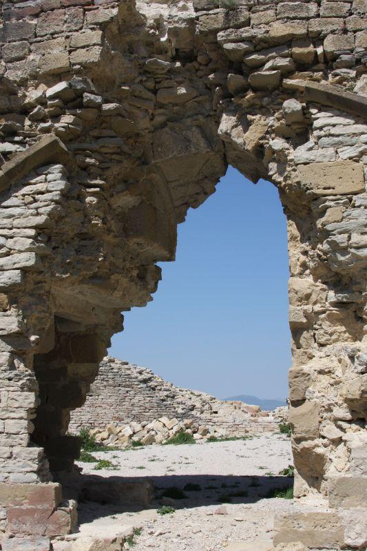 Detail der Burgruine in Tiebas Muruarte de Reta