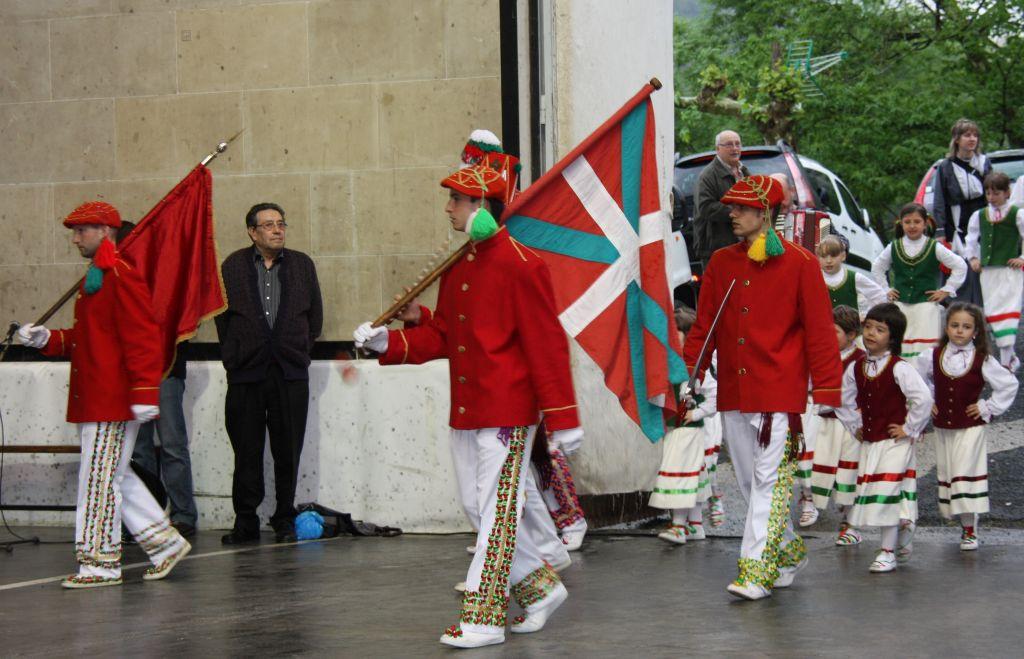 Banderariak mit der baskischen Flagge