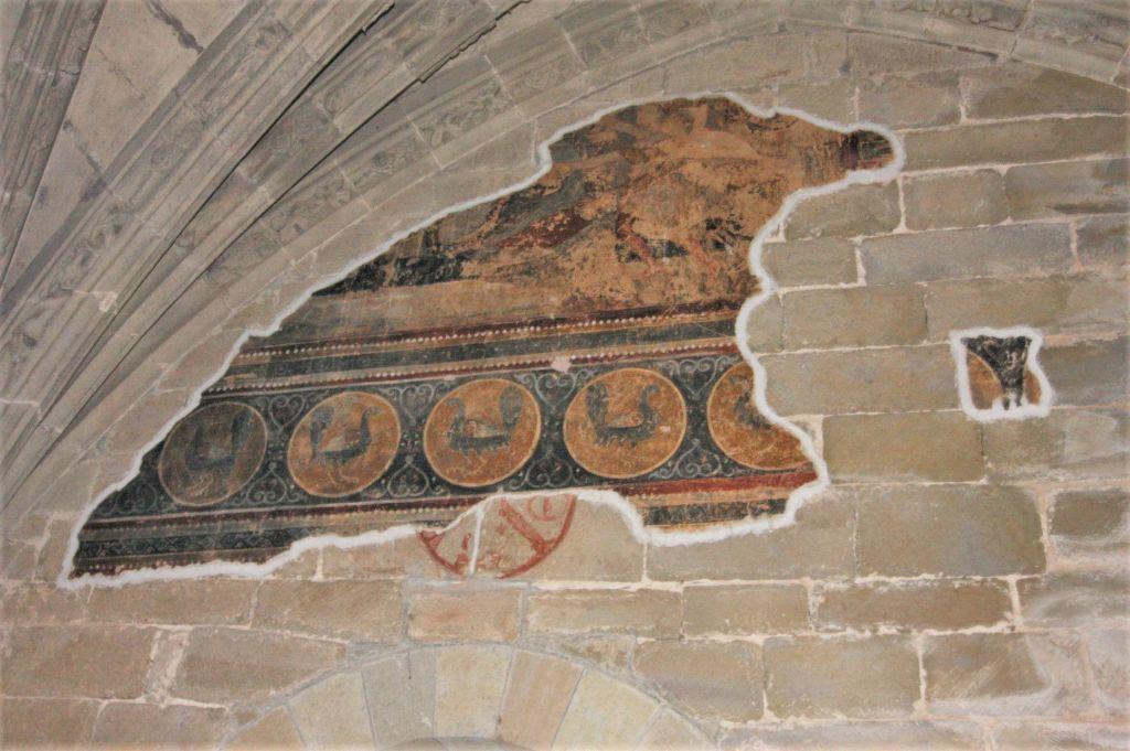 Freskenstück an der Chrowand der Unteren Kirche im Felsenkloster San Juan de La Pena