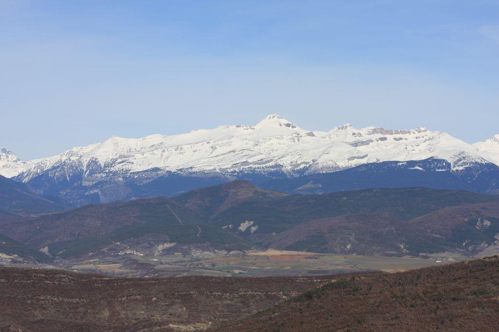 Schneebedeckte Pyrenaeen in Nordspanien