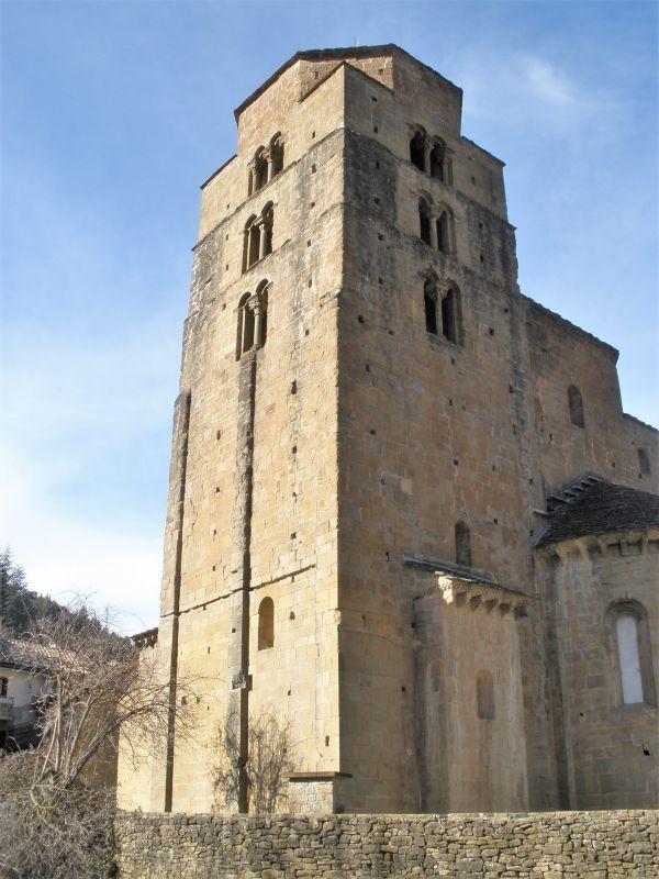 Iglesia Santa María in Santa Cruz de los Seros in Aragón