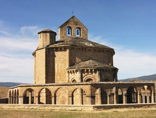 Iglesia Santa Maria de Eunate - ein enigmatischer Ort am Jakobsweg in Navarra