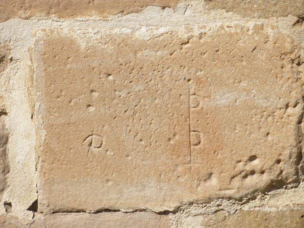 Steinmetzzeichen an der Kirche Santa Maria de Eunate