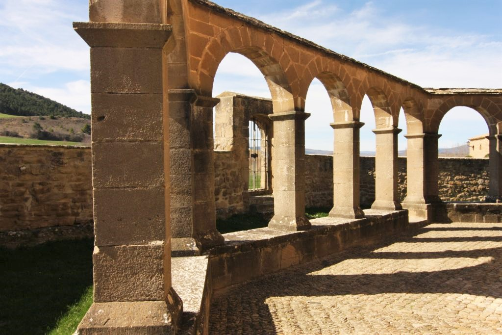 Kreuzgang der Iglesia Santa Maria de Eunate