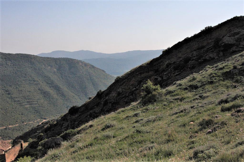 Sierra de Pena und Auslaeufer der Berge von Ujué
