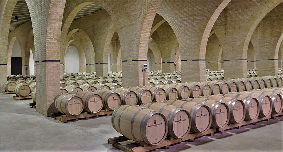 Weinkeller der Bodegas Irache