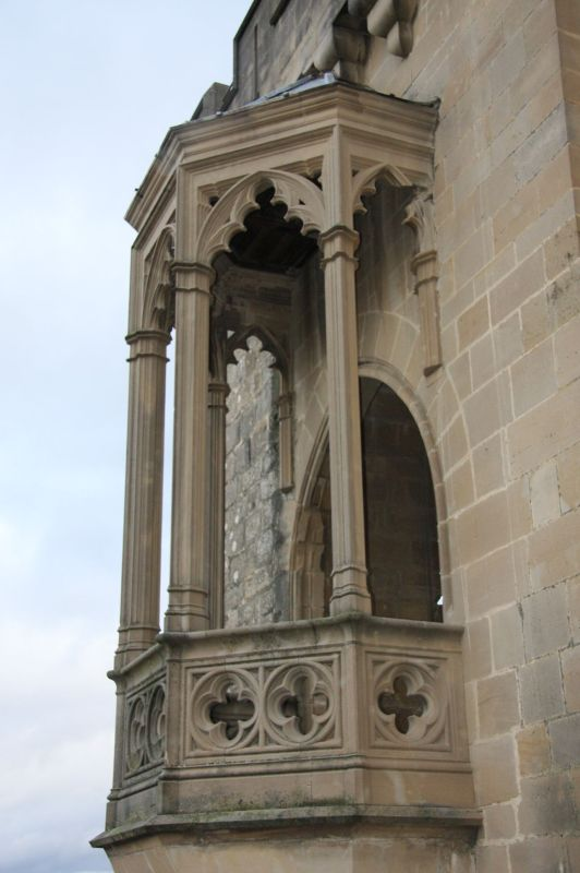 Erker am Turm Cuatro Vientos des Koenigssitzes von Olite