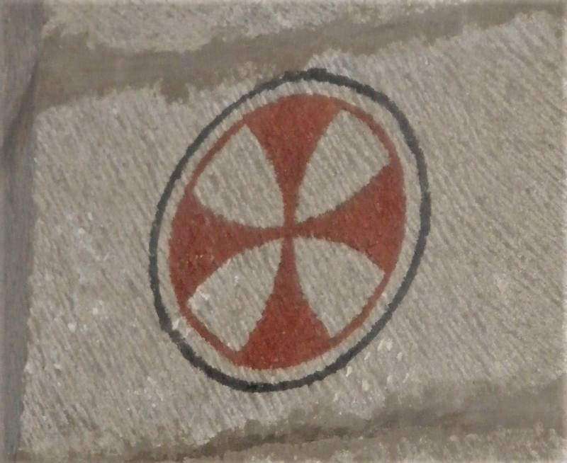 Tatzenkreuz des Johanniterordens in der Iglesia del Crucifijo in Puente la Reina