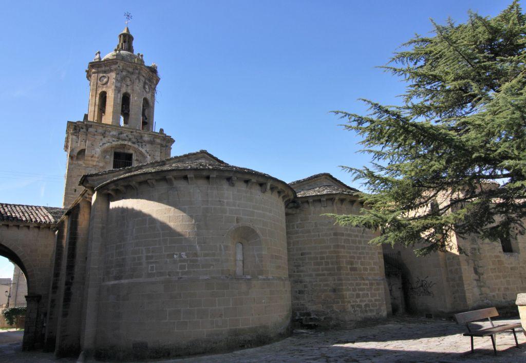 Iglesia del Crucifijo in Puente la Reina