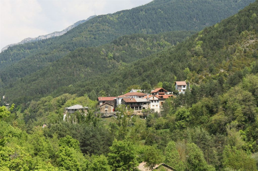 Valle de Roncal im Norden Spaniens umgeben von den Pyrenaeen