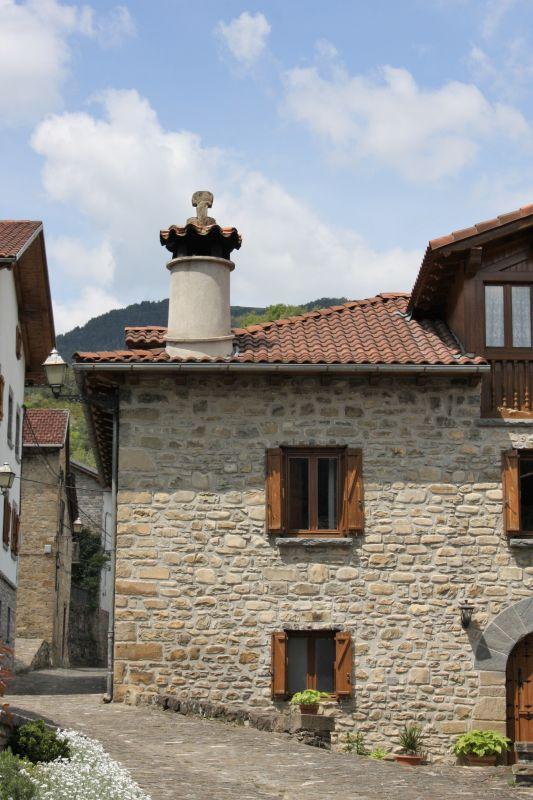 Steinhaus im Valle de Roncal