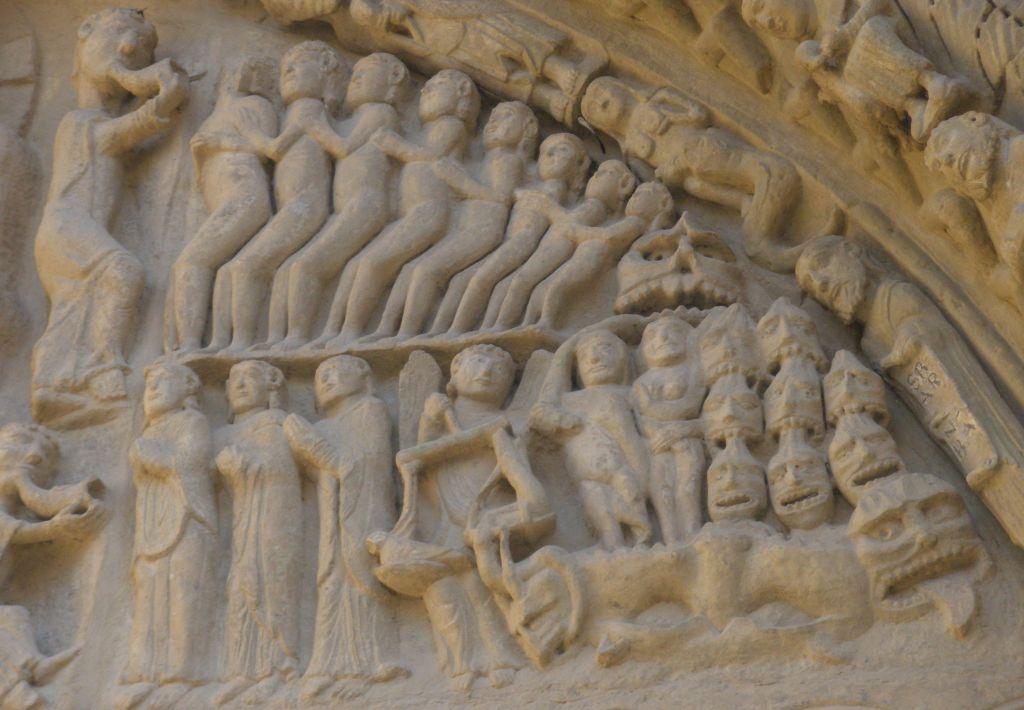 Michael mit der Seelenwaage am Portal Detail des Portals der Kirche Santa María in Sanguesa, Navarra