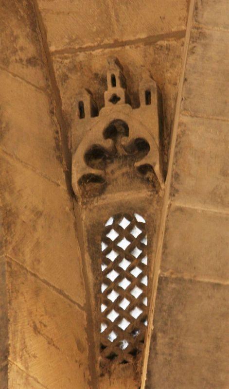 Profil der Heiliggrabkirche von Jerusalem an einem Pfeiler in der Iglesia del Santo Sepulcro