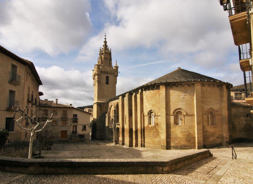 romanische Kirche Santa Maria in Uncastillo, Aragon