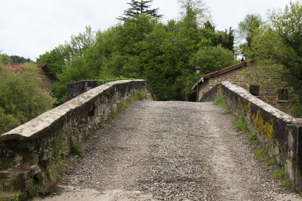 Puente de la Rabia; Tollwut-Brücke in Zubiri, Navarra