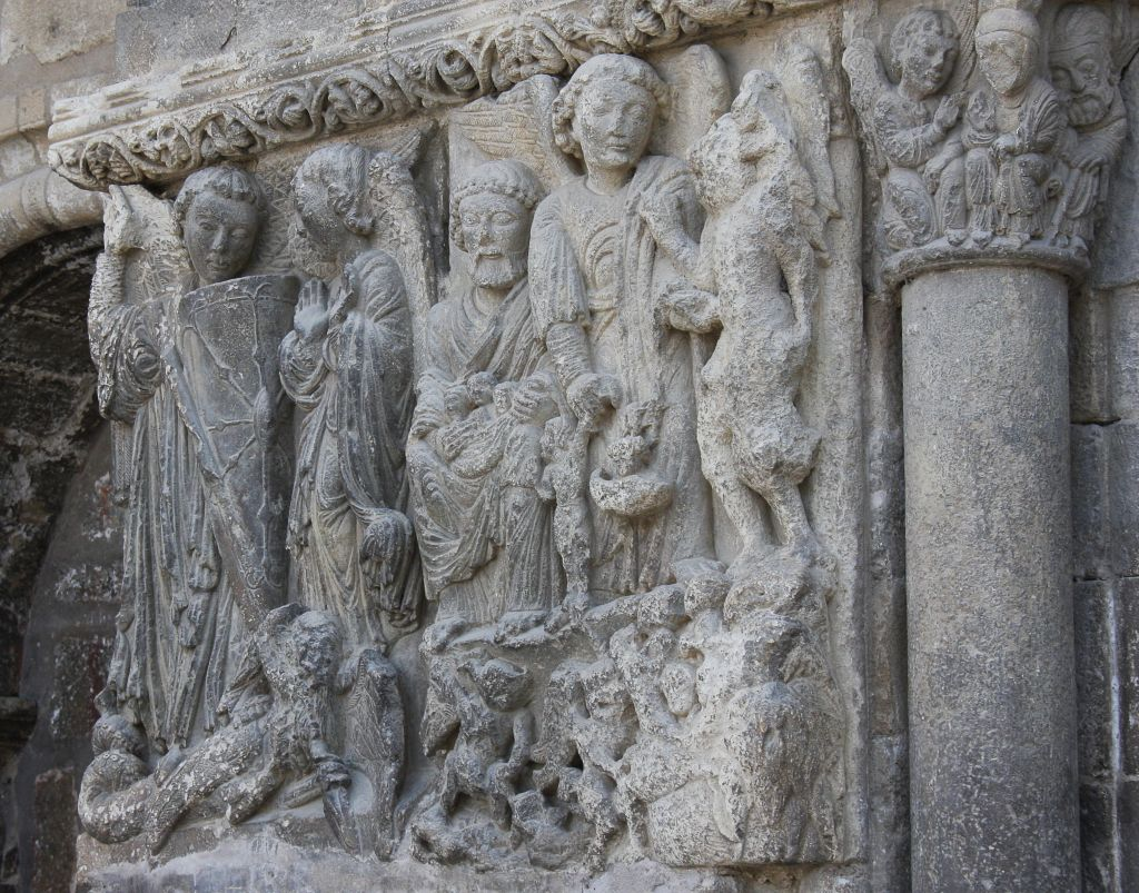 Der Heilige Michael am Portal der Kirche San Miguel in Estella