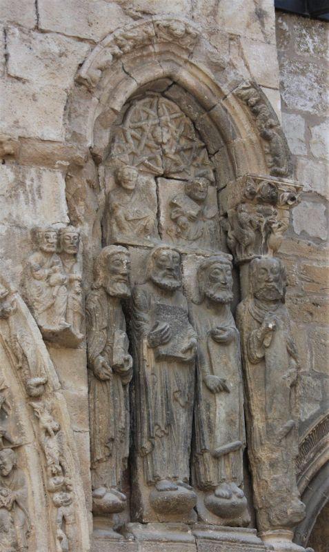 Apostel am Portal der Kirche San Miguel in Estella