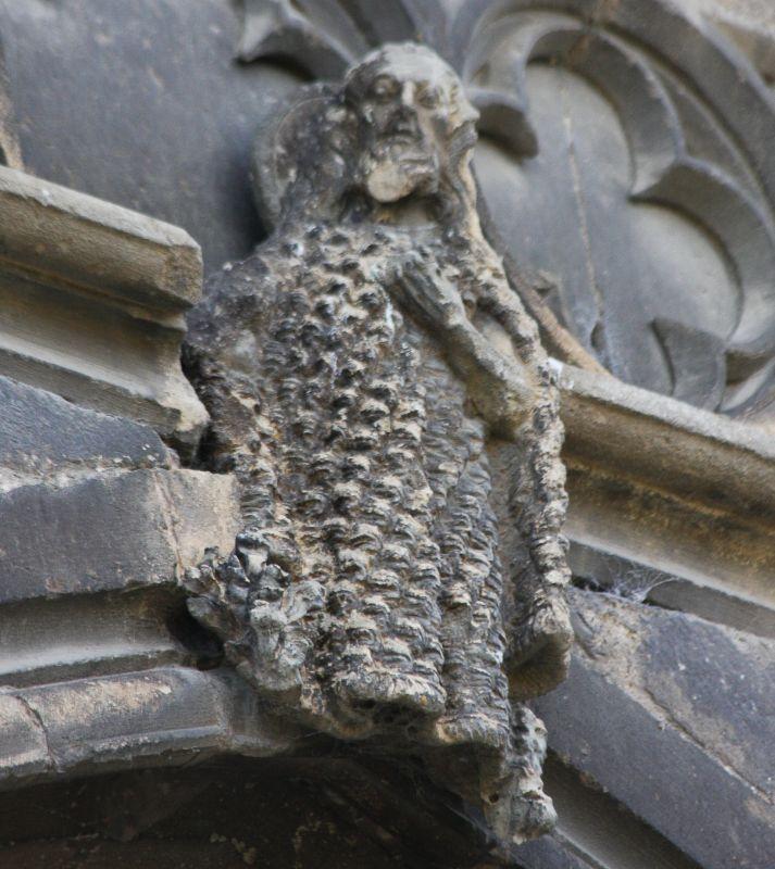 Johannes der Taeufer an der Nordfassade der Iglesia del Santo Sepulcro, Estella