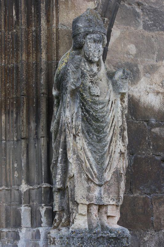 Statue des Heiligen Martin von Tours am Portal der der Iglesia del Santo Sepulcro, Estella