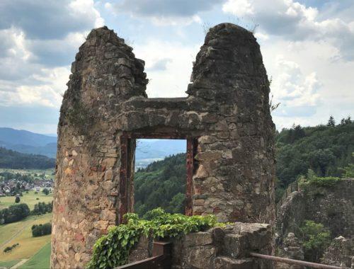 Blick in den Schwarzwald von der Festungsruine Hochburg bei Emmendingen